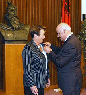 Österreich anerkennt Diplome