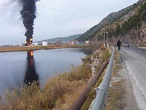 Umweltkatastrophe nach Brand in Öllager