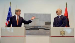 John Kerry und Edi Rama an der Pressekonferenz