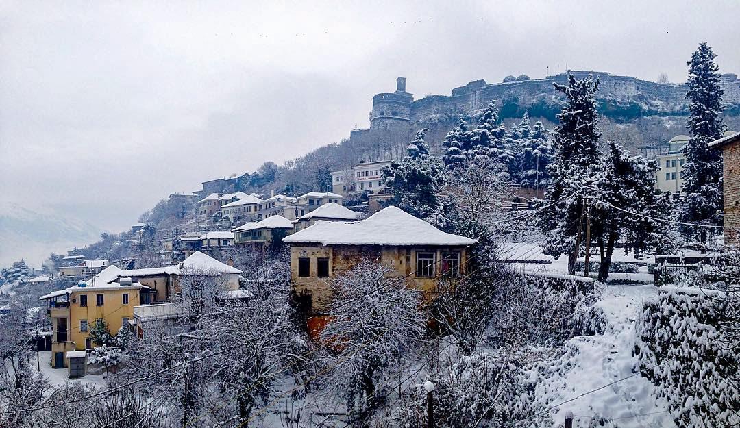 Aktuelles Bild aus Gjirokastra (Foto: C. Guda)
