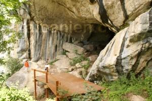 Höhle Pëllumbas: Eingang