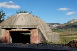 einer von vielen … Bunker gibt's im ganzen Land