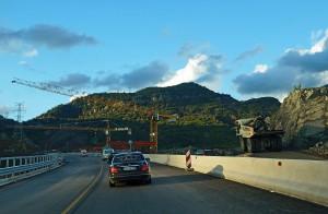 Autobahnbau kurz vor dem Krraba-Tunnel zwischen Elbasan und Tirana