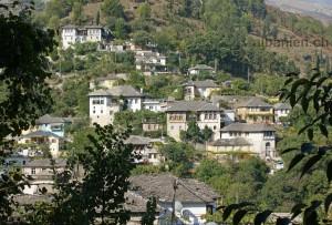 Gjirokastra: alte Häuser
