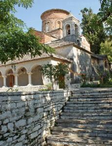 Labova e Kryqit: Kirche