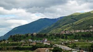 Tepelena mit Burg von Norden