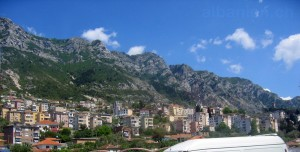 Kruja: Stadt am Berghang