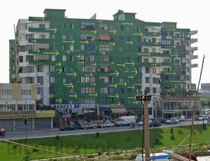 Farbiges Haus in Tirana