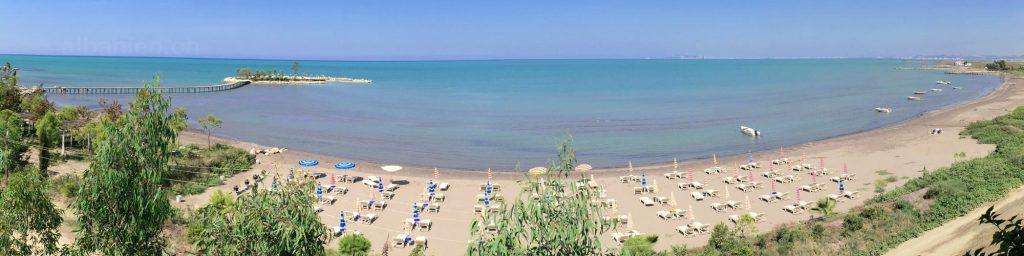 Karpen am südlichen Ende der Bucht von Durrës