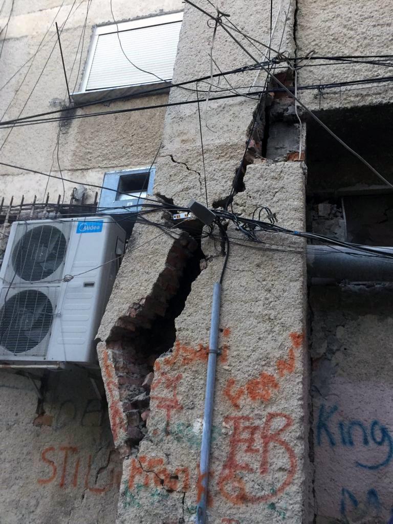 Erbeben im November 2019: beschädigtes Haus