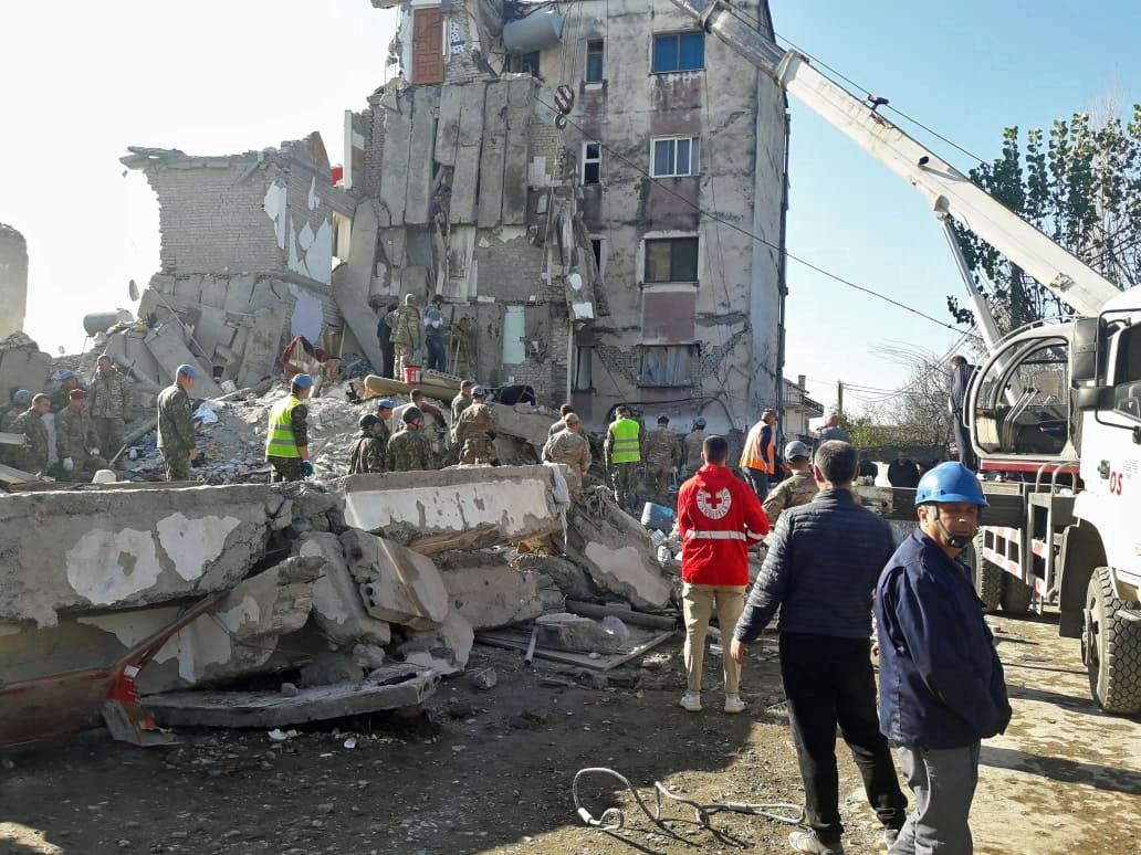 Erdbeben November 2019: Helfer in Thumana