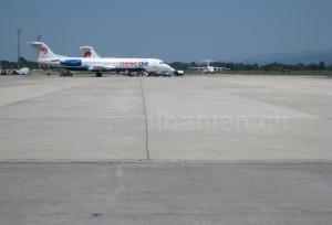 Belle Air am Flughafen Tirana